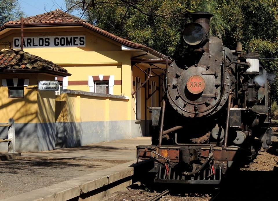 Aguardando licença em Carlos Gomes